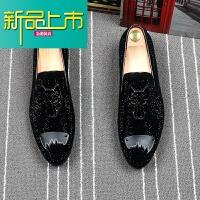 新品上市欧美潮流男鞋水钻刺绣型师套脚尖头皮鞋夏季透气懒人豆豆鞋单鞋