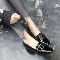 高跟单鞋女粗跟春季新款漆皮英伦风女鞋金属扣通勤鞋子复古