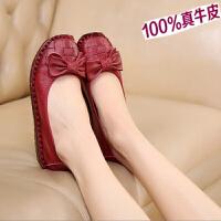 软底手工皮豆豆鞋春季休闲红民族风女鞋妈妈鞋中年平底圆头单鞋