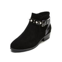 哈森旗下爱旅儿中跟女鞋帅气珍珠皮带装饰条带短靴EA78208