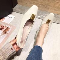 单鞋女鞋2019春季新款时尚方头中跟金属方扣女鞋简约百搭通勤女鞋