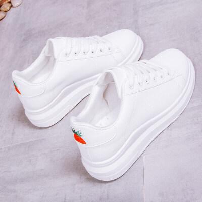 小白鞋女秋季2018新款百搭韩版学生港味白鞋草莓板鞋复古chic鞋子