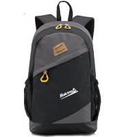 户外便携轻量大容量登山包男女款时尚背包休闲防水双肩包