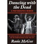 【预订】Dancing with the Dead-A Photographic Memoir: My Good Ol