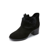 哈森旗下爱旅儿女鞋小圆头兔毛装饰中跟短靴EA78202