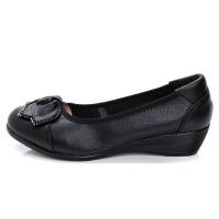 妈妈鞋单鞋坡跟软底舒适皮鞋浅口平底圆头中老年女鞋秋季