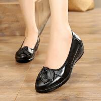 妈妈单鞋女平底鞋舒适秋季透气中年女士皮鞋防滑软底百搭工作鞋女 黑色