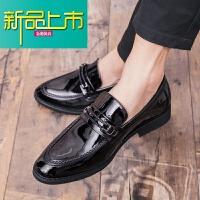 新品上市英伦小皮鞋男韩版潮流尖头休闲学生百搭一脚蹬漆皮亮面型师鞋子