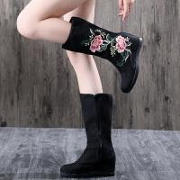 2018新款秋冬中国民族风绣花鞋中筒内增高跟女靴汉服搭配古风靴子