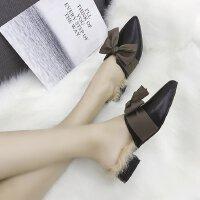 拖鞋女冬外穿加�q包�^蝴蝶�Y粗跟低跟3cm尖�^�@瘦2018秋冬季新款