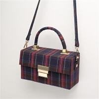 包包女冬季新款西班牙小众设计手提盒子包条纹包单肩斜跨包潮 蓝 预定