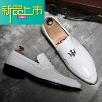 新品上市新款亮皮尖头小皮鞋英伦休闲鞋型师皮鞋套脚鞋男士皮鞋影楼