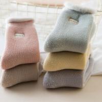 雪地袜子女冬季加绒加厚毛绒绒暖脚袜外穿时尚可爱御寒保暖睡眠袜