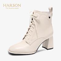 哈森2019秋冬新款羊皮革粗跟方头帅气马丁靴女显瘦短靴潮HA97170