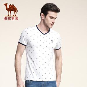 骆驼男装 夏款新品青年休闲碎花图案V领时尚百搭英伦T恤男