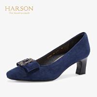 【 限时4折】哈森 2019秋季新款羊反绒浅口单鞋女 通勤时尚粗跟高跟鞋 HL92409