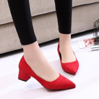 时尚浅口绒面红色婚鞋尖头低跟粗跟3cm高跟鞋显瘦小码单工作女鞋