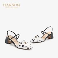 【 限时4折】哈森 2019夏季新款羊皮一字带凉鞋女 中后空粗高跟晚晚鞋 HM98902