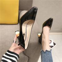 20190217042626124春季百搭英伦风女士休闲高跟鞋时尚粗跟尖头浅口女鞋黑