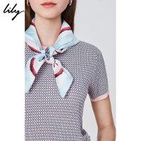 【超值秒��r:87元】 Lily春新款女�b�{色�馇蝻L景��g印花方巾潮流混搭�z巾Z901
