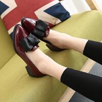 单鞋女夏粗跟酒红色蝴蝶结三厘米尖头英伦风百搭学生皮鞋高跟鞋女